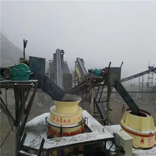 磊蒙全套中交路桥大循高速路面料加工料场顺利投产